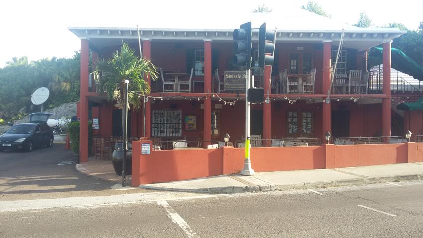 Swizzle-Inn---Baileys-Bay